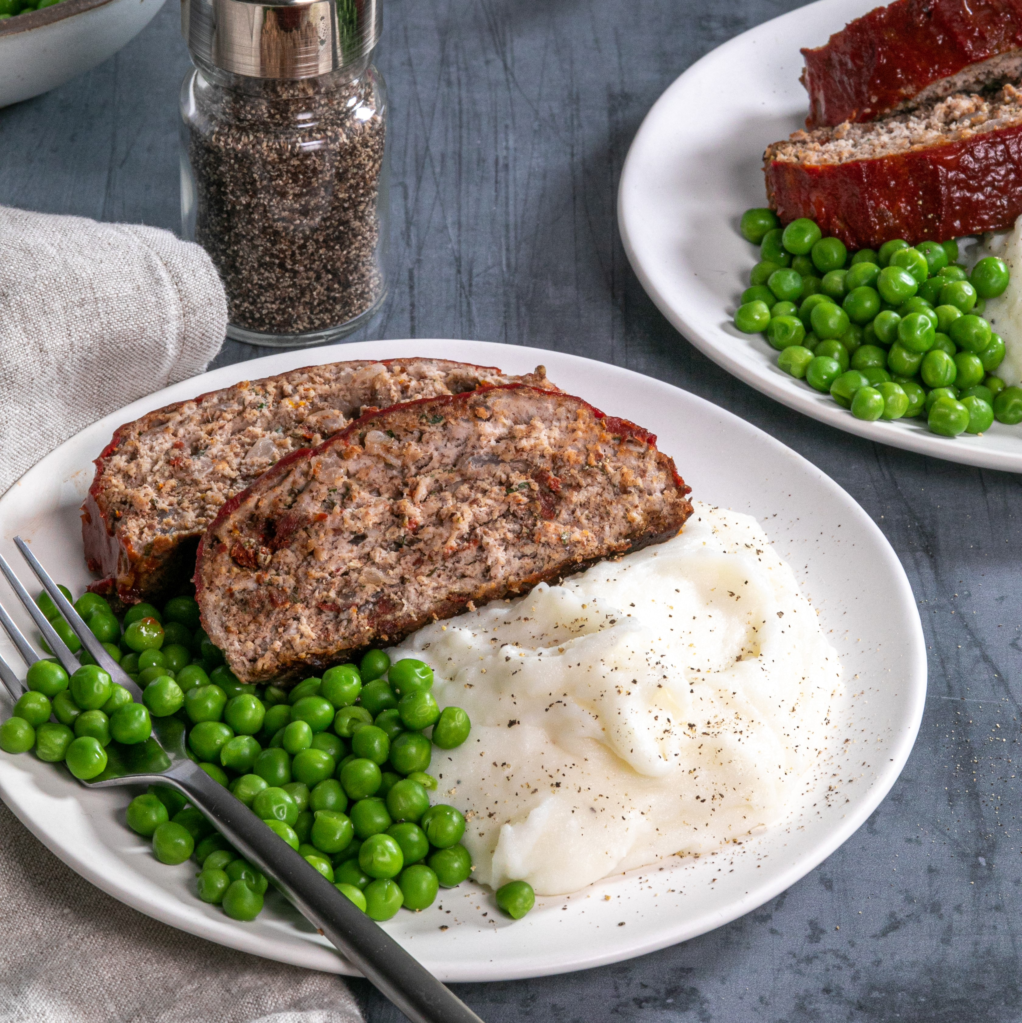 Turkey-Pecan Meatloaf with Sun-dried Tomatoes